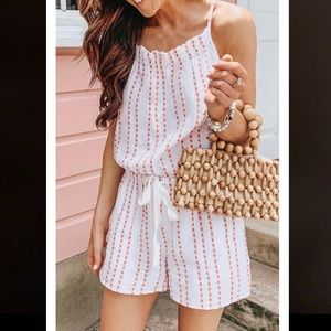 Laceyou adorable loose white stitch romper